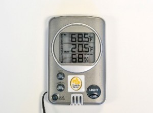 Gold'n Plump Thermometer/Hygrometer