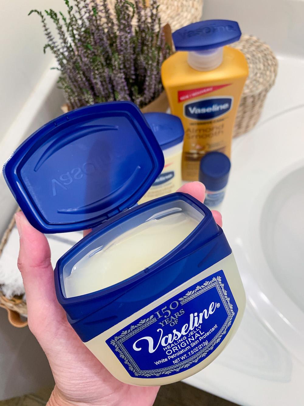Classic Vaseline Petroleum Jelly